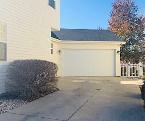 Building, 1229 Crescent Drive