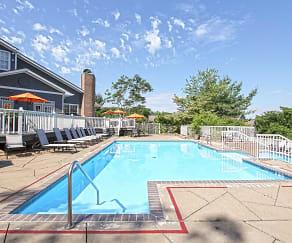 Pool, Eagle Ridge Apartments