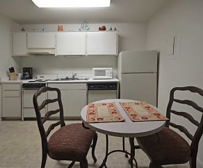 Kitchen, Sunpointe Gardens Apartments