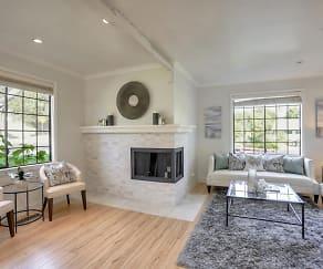 Living Room, 113 Ashford Ave