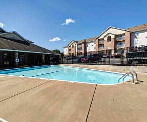 Pool, Quail Creek Apartments