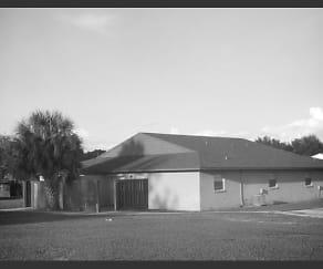 Building, 5021 SE 29th St