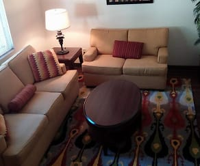 Living Room, Oak Hill Apartments
