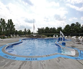 Pool, Laurelwood Apartments and Townhomes