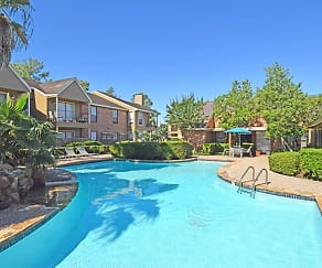 Pool, Westmount at Summer Cove