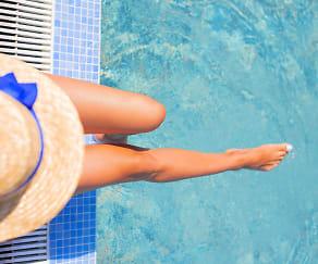 Resort-style swimming pool, Jefferson Mount Laurel