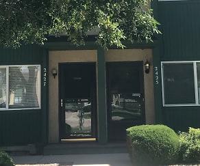 IMG_8701 (1).jpg, 2425 Cherokee Park Place