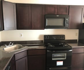 Kitchen, Glencroft Club Apartments
