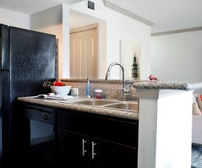 Upgraded Kitchen with Granite Countertops, Trailpoint at The Woodlands