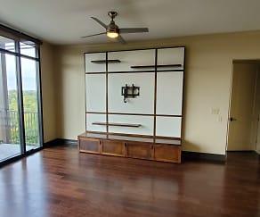 Living Room, 2233 Peachtree Road NE #703