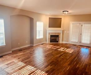 Living Room, 1229 Crescent Drive