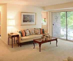 Living Room, Kenwood Park Apartments