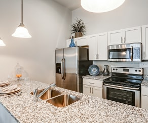 Kitchen, The Pointe At Five Oaks