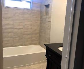 Bathroom, 402 Kerr St