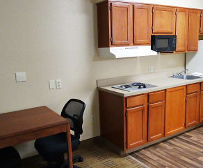 Kitchen, Furnished Studio - Dallas - Frankford Road