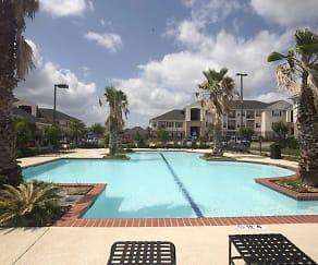 Pool, Lexington Place