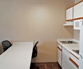 Kitchen, Furnished Studio - Indianapolis - West 86th St.