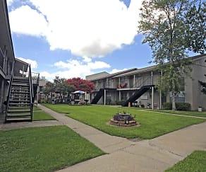 Courtyard, Eden Point