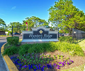 Community Signage, Hunter's Ridge Apartments