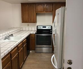 Kitchen, 1363 Keenan Way