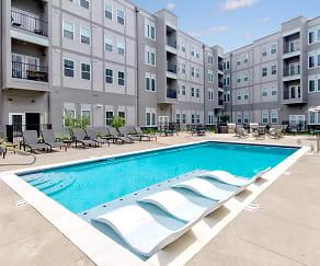 Pool, Union Green