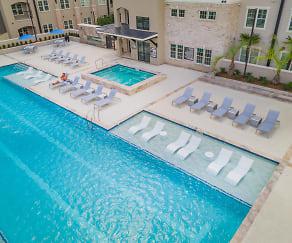 Pool, Park Rowe Village