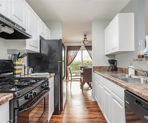 Kitchen, Reserve at Eagle Ridge