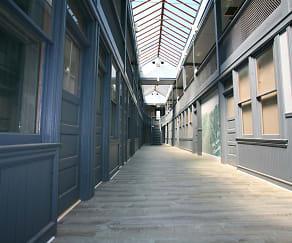 Courtyard, Smartland Body Block Arcade