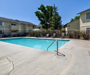 Pool, Pine Ridge