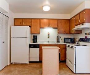 Kitchen, Pine Run Townhomes