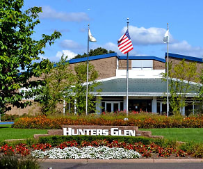 Landscaping, Hunters Glen Apartments