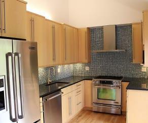 Kitchen, 424 Shady Ave Apt D