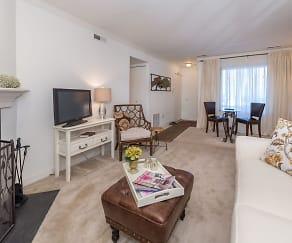 Living Room, Manassas Meadows Apartments