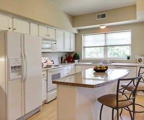 Kitchen, Lake Hazeltine Woods