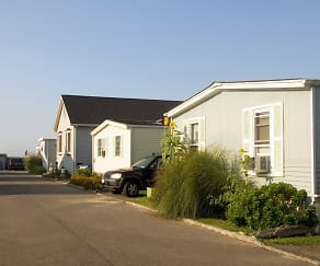 Building, Crescent Mobile Home Park