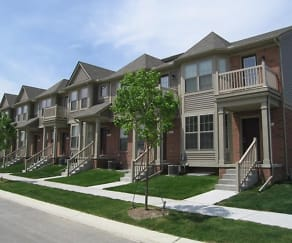Spacious Two and Three Bedroom Townhomes, Treehouse Apartments