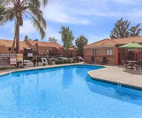 Pool, Harvest Glen