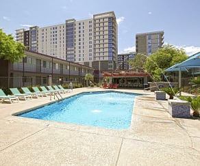 Pool, University Pointe