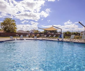 Pool, Country Lane Townhomes