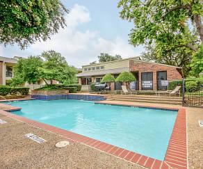 Pool, Shiloh Oaks