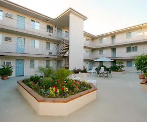 Courtyard, The Enclave Apartments