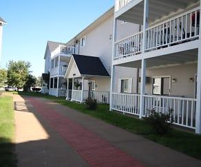 Lake Pointe Apartments