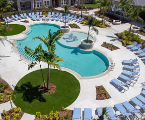 Pool, Volaris Live Oak