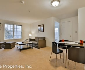 The Residences at Summit Pointe, New Boston, NH