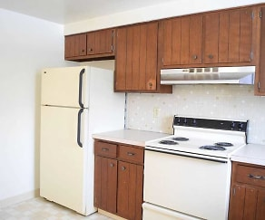 Kitchen, Aurora Village Apartments