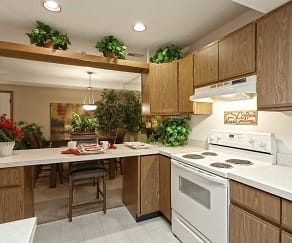 Kitchen, Saddlewood Park Townhomes