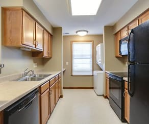 1 Bedroom Unit - Kitchen and In-Unit Laundry - All Appliances Included, Deer Lakes Apartments