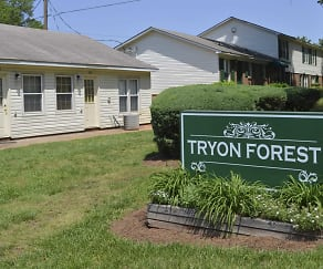 Community Signage, Tryon Forest Apartments