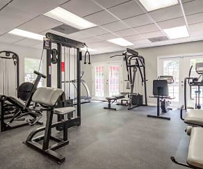 Fitness Weight Room, Ashwood Ridge Apartments
