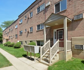 Building, Woodview Apartments